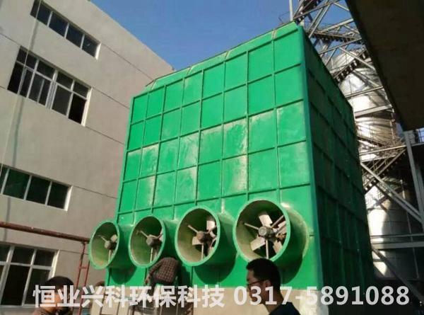 鼓风式冷却塔安装现场